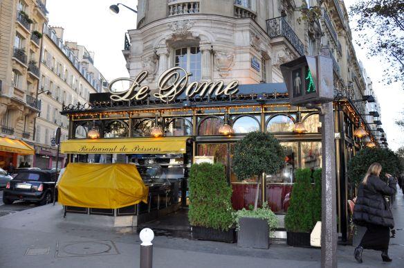 Le Dome in Montparnasse where Eva meets Fernande Olivier.