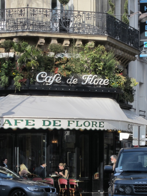 Café de Flore, another St.Germain café where the Fitzgeralds hung out with the rest of the Lost Generation.