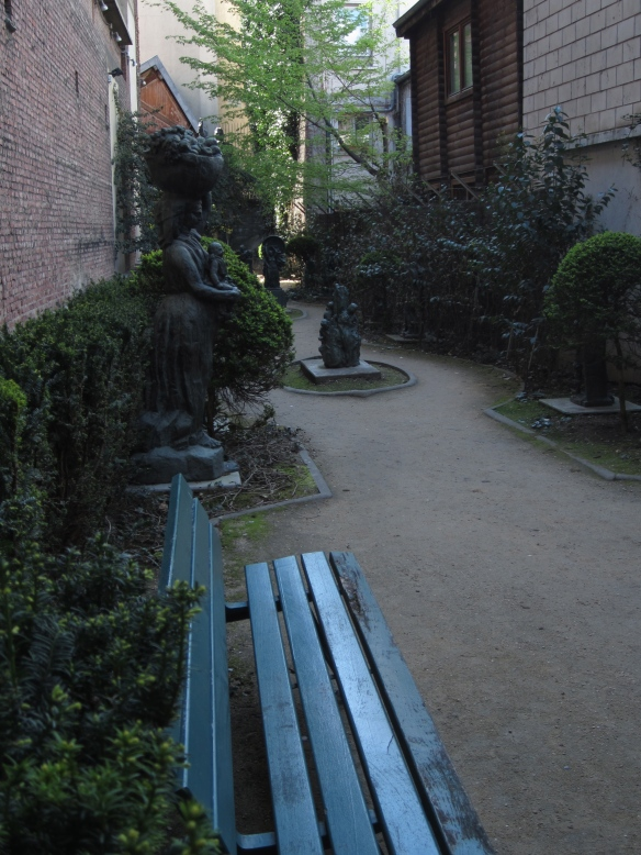 The inner courtyard at the Musée Bourdelle