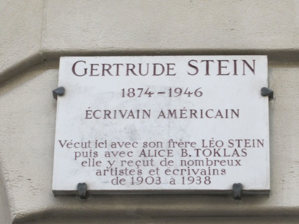 Plaque at 27 rue de Fleurus, Gertrude Stein's apartment