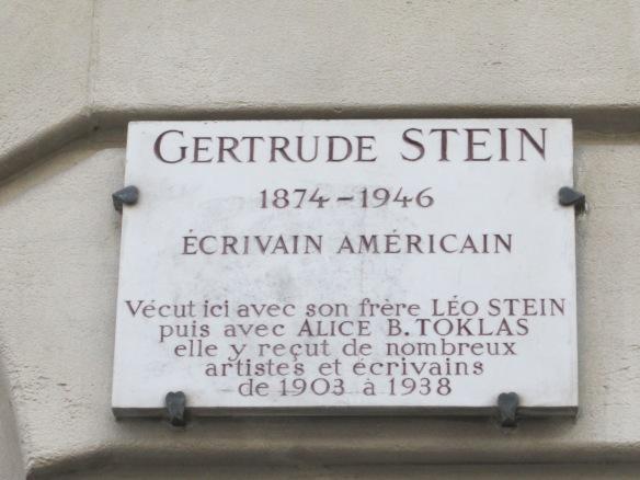 Plaque at 27 rue de Fleurus, Gertrude Stein's apartment