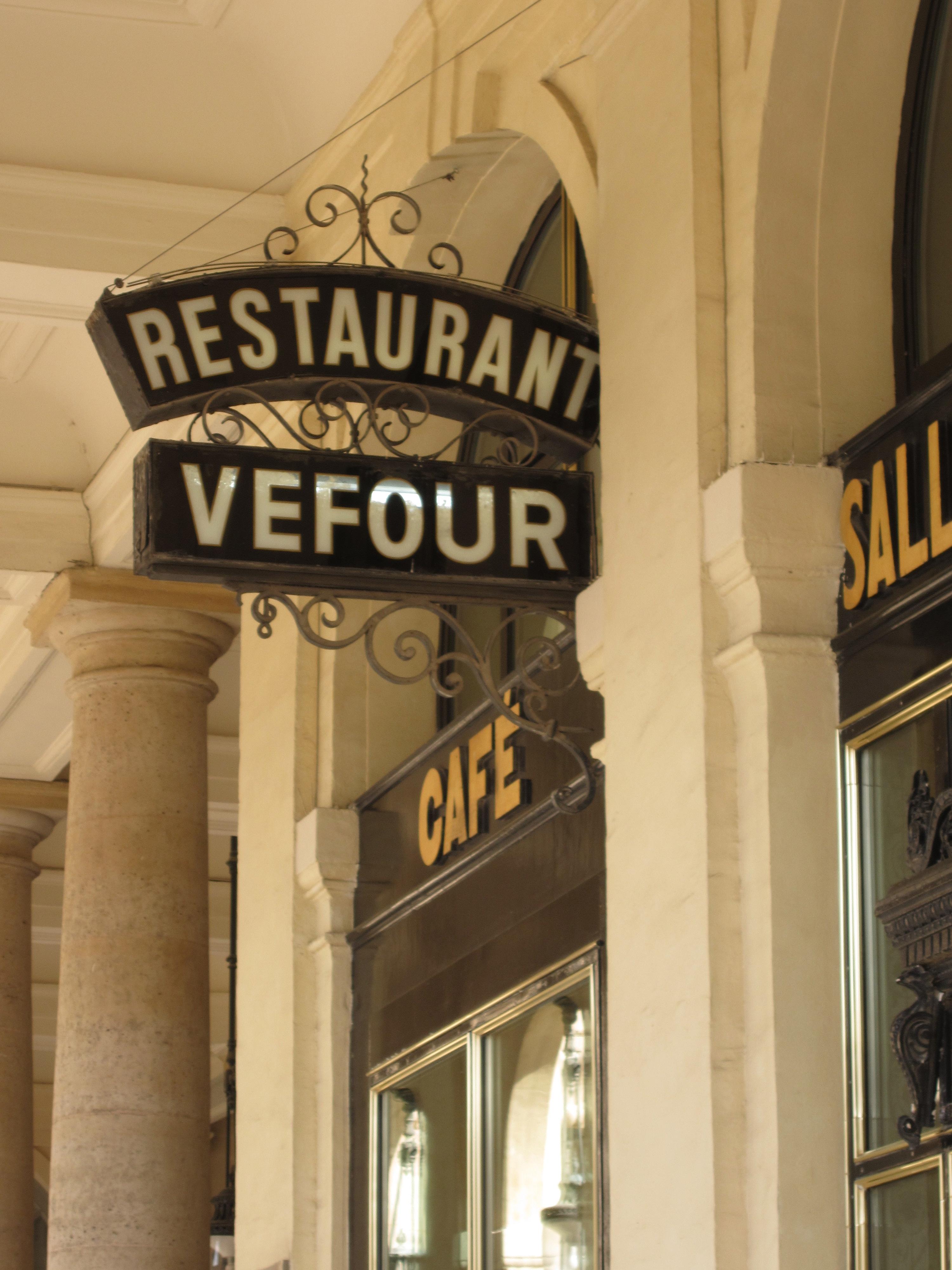 Midnight In Paris Film Sites