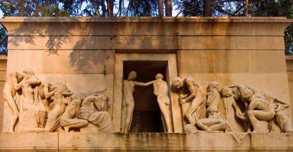 Albert Bartholomé, Monuement aux Mortsu cimetière du Père Lachaise (1889-1899). Image: parismyope.blogspot. com.
