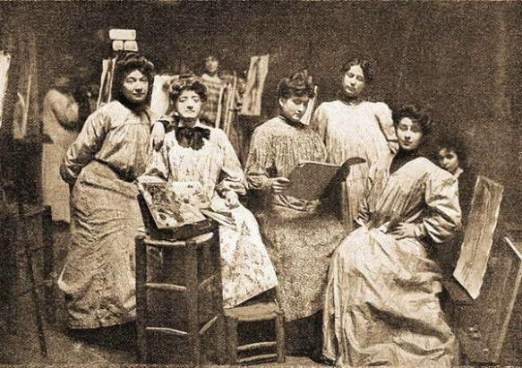 A photography of some of the female messiers (studio assistants) of the Académie Julian. Source:http://verat.pagesperso-orange.fr/la_peinture/Mixite_Beaux-Arts.htm