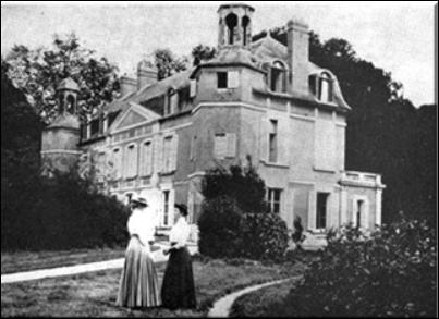 Mary Cassatt at Chateau de Beaufresne, undated photo. Source: http://www.mary-cassatt.net