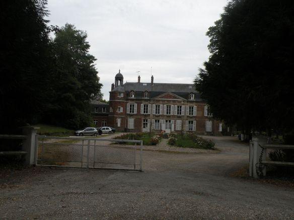 Chateau de Beaufresne (2012 photo). Source: http://commons.wikimedia.org/wiki/File:Château_de_Beaufresne.JPG