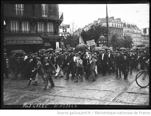 Mobilization in Paris, August 4, 1914. Source: http://gallica.bnf.fr/ark:/12148/btv1b6931124r