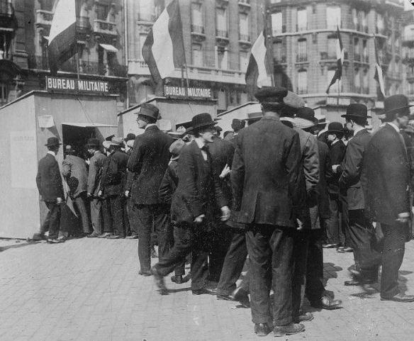 Lines form for French mobilization at Gare de Lyon train station in Paris. The official order was given at 4 pm on Saturday, August 1st, beginning the initial call-up of a million men for the French Army. Source: http://www.historyplace.com/worldhistory/firstworldwar/fr-mobilize.htm