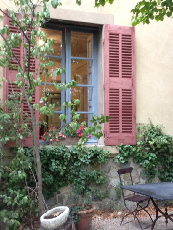 The courtyard garden outside Cézanne's studio