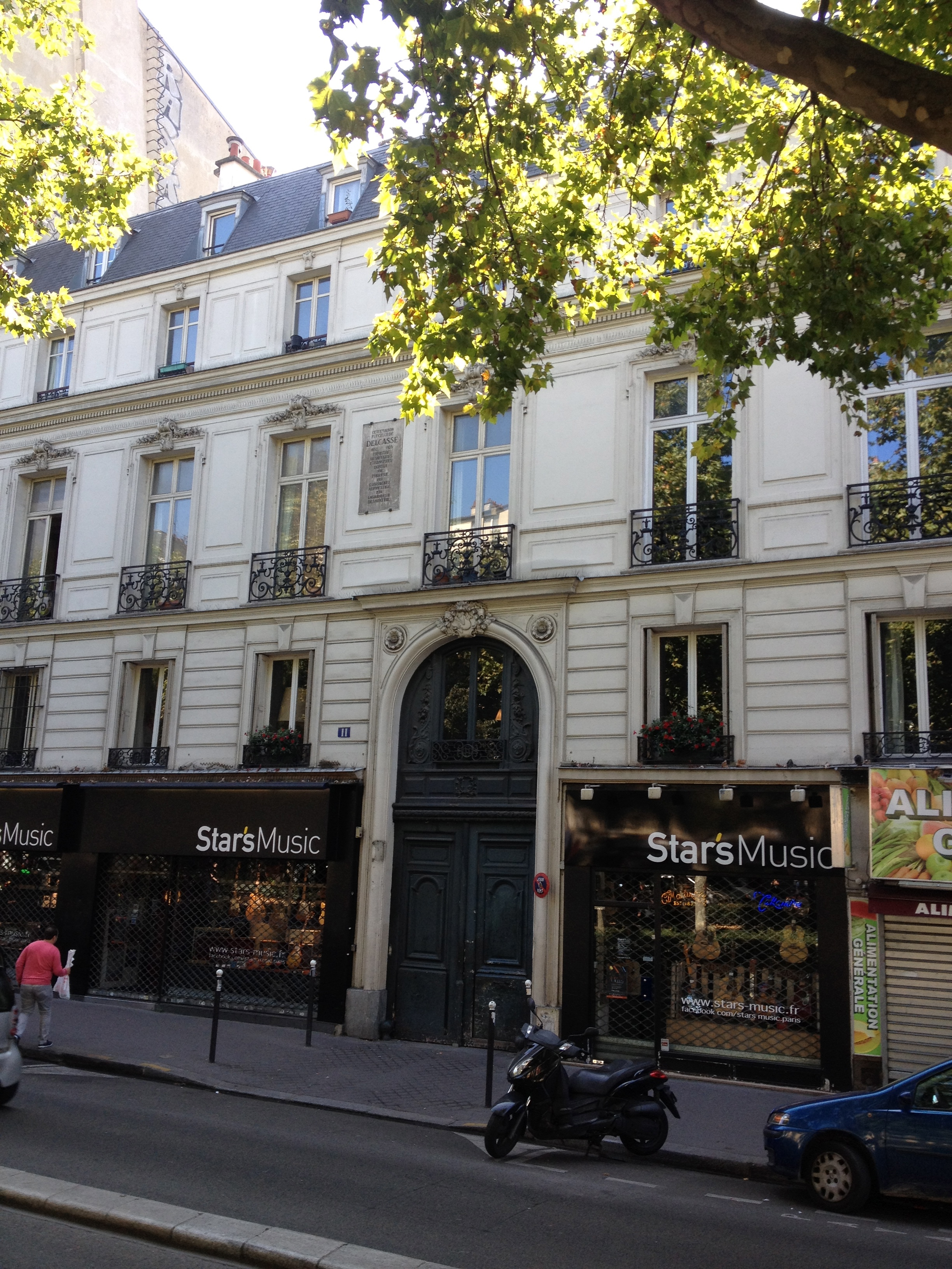 11 boulevard de Clichy, the upscale apartment where Picasso lived with Fernande Olivier when he met Eva.