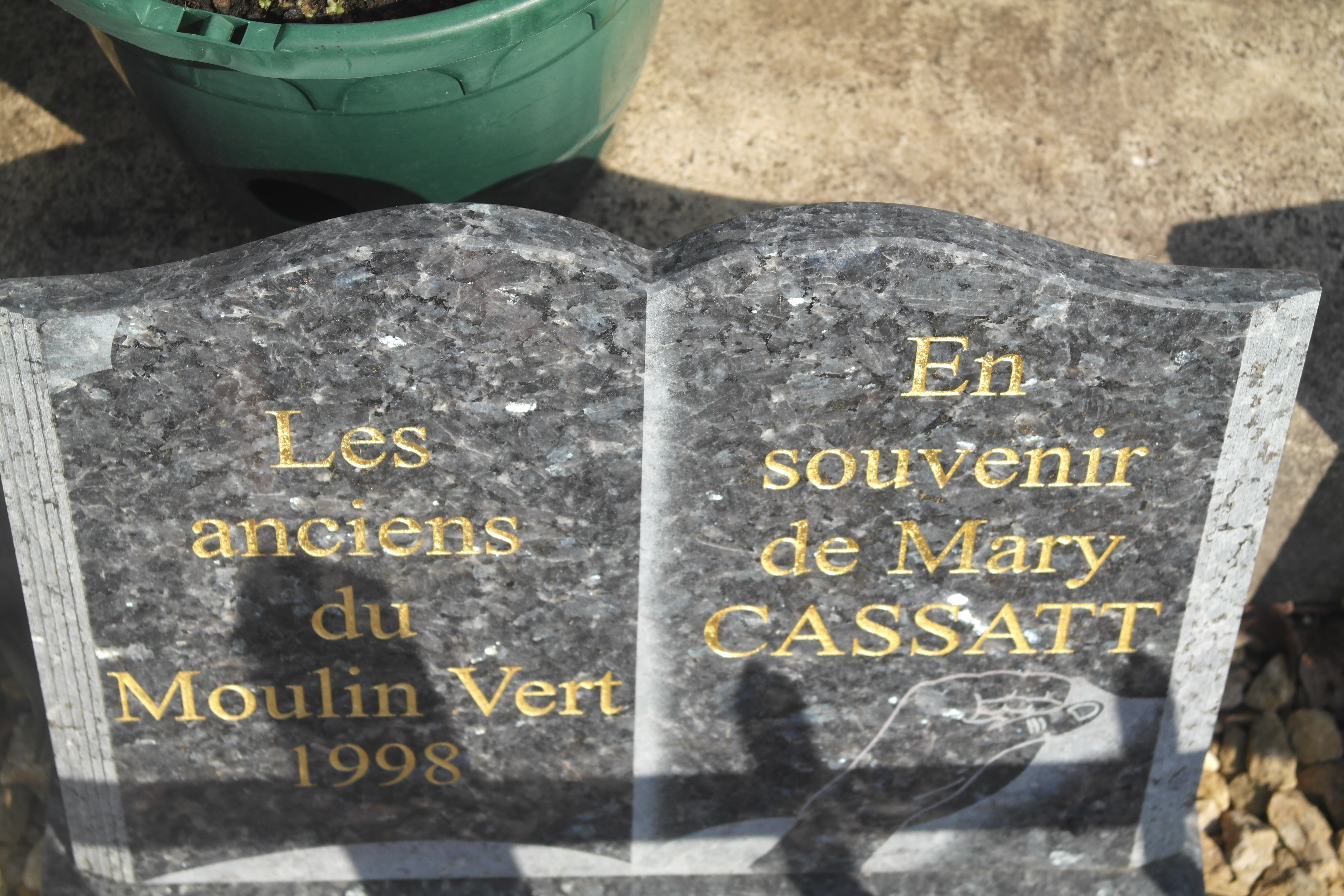 Locals donated this plaque to remember Mary Cassatt and her contribution to the community